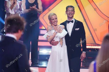 BU: Isabel Edvardsson and Marcus Weiss freuen sich über ihren zweiten Platz.