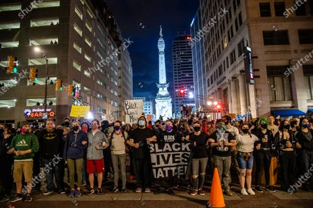 Protestors gather in solidarity with Minneapolis following the killing of George Floyd