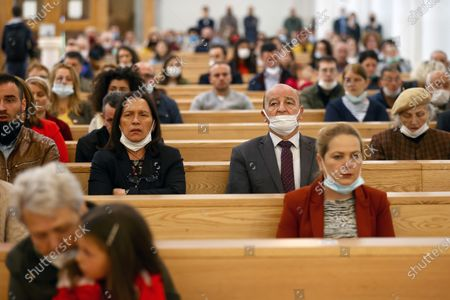 Faithful wearing face masks attend the Sunday Mass at the Mother Teresa cathedral amid the ongoing coronavirus COVID-19 pandemic in Pristina, Kosovo, 31 May 2020. Faithful attended the Sunday mass for the first time since mid-March when the Kosovo's government closed borders and suspended activities in a bid to control the spread of the COVID-19 disease caused by the SARS-CoV-2 coronavirus in the West Balkan country.