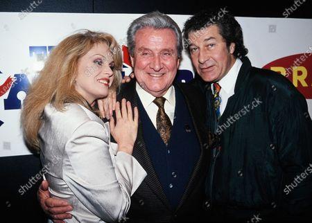 The New Avengers - Joanna Lumley, Patrick Macnee and Gareth Hunt 1995