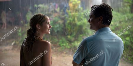 Ana de Armas as Carolina Larriera and Wagner Moura as Sergio Vieira de Mello