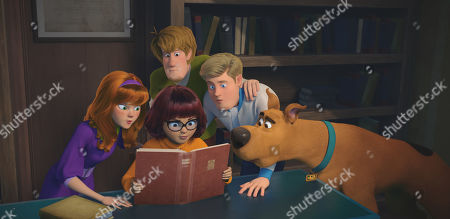 Daphne Blake (Amanda Seyfried), Velma Dinkley (Gina Rodriguez), Shaggy Rogers (Will Forte), Fred Jones (Zac Efron) and Scooby-Doo (Frank Welker)