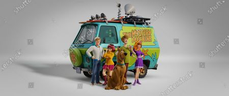 Fred Jones (Zac Efron), Velma Dinkley (Gina Rodriguez), Scooby-Doo (Frank Welker), Shaggy Rogers (Will Forte) and Daphne Blake (Amanda Seyfried)