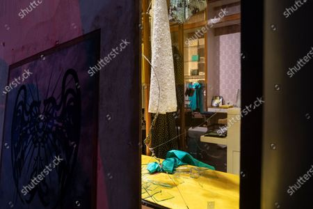 Kate Spade store was vandalized after curfew took place during COVID-19 pandemic and protest against killing George Floyd in SoHo. Second day curfew started at 8 PM three hours early than on 1st day.