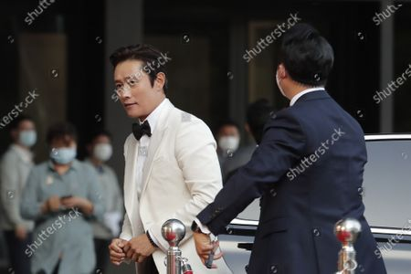 South Korean actor Lee Byung-hun arrives on the red carpet at the 56th Daejong Film Awards ceremony in Seoul, South Korea