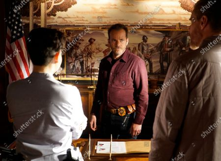 Bex Taylor-Klaus as Deputy Brianna Bishop, Stephen Dorff as Sheriff Bill Hollister and Brian Van Holt as Detective Cade Ward