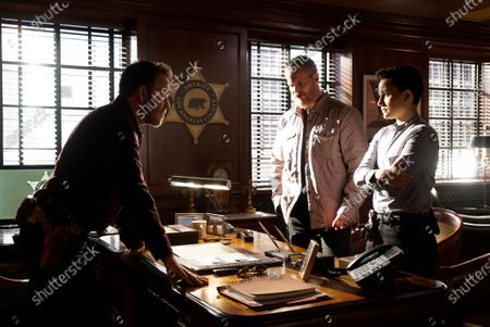 Stephen Dorff as Sheriff Bill Hollister, Brian Van Holt as Detective Cade Ward and Bex Taylor-Klaus as Deputy Brianna Bishop
