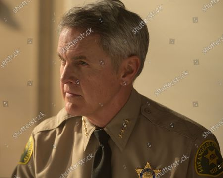 Mark Moses as Undersheriff Jerry London