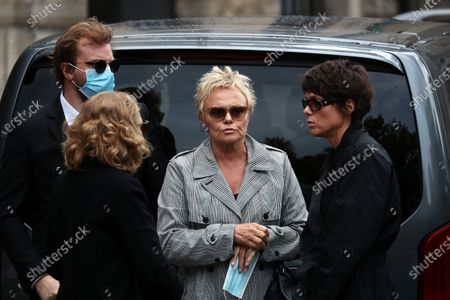 Stock Image of Muriel Robin (C) and her partner French actress Anne Le Nen (R) attend the funeral ceremony of the French actor Guy Bedos at the Church of Saint-Germain-des-Pres in Paris, France, 04 June 2020. Bedos died at the age of 85 in Paris on 28 May 2020.