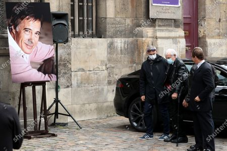 Jean-Paul Belmondo (2-R)  wears a face mask as he attends the funeral ceremony of the French actor Guy Bedos at the Church of Saint-Germain-des-Pres in Paris, France, 04 June 2020. Bedos died at the age of 85 in Paris on 28 May 2020.
