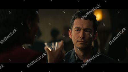 Stock Image of Simon Quarterman as Lee Sizemore