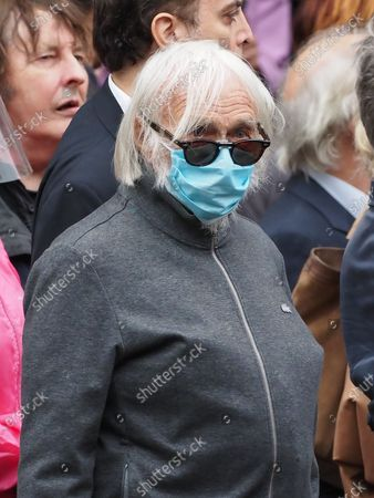 Pierre Richard. The funeral of comedian and humorist Guy Bedos who died on May 28 at the age of 85 took place this Thursday June 4 at the Saint-Germain-des-Pres church in Paris. Many personalities came to support his family.