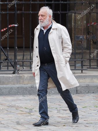 Francois Berleand. The funeral of comedian and humorist Guy Bedos who died on May 28 at the age of 85 took place this Thursday June 4 at the Saint-Germain-des-Pres church in Paris. Many personalities came to support his family.