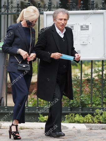 Michel Drucker. The funeral of comedian and humorist Guy Bedos who died on May 28 at the age of 85 took place this Thursday June 4 at the Saint-Germain-des-Pres church in Paris. Many personalities came to support his family.