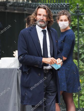 Stock Photo of Frederic Beigbeder. The funeral of comedian and humorist Guy Bedos who died on May 28 at the age of 85 took place this Thursday June 4 at the Saint-Germain-des-Pres church in Paris. Many personalities came to support his family.