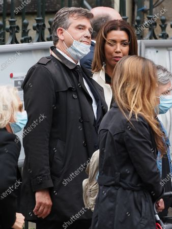 Arnaud Montebourg. The funeral of comedian and humorist Guy Bedos who died on May 28 at the age of 85 took place this Thursday June 4 at the Saint-Germain-des-Pres church in Paris. Many personalities came to support his family.