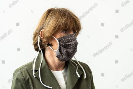 Henriette Reker, mayor of Cologne, wearing a protective face mask, visits the Labor Dr. Wisplinghoff medical lab during the novel coronavirus crisis in Cologne, Germany, 05 June 2020. The lab processes up to 10,000 coronavirus infection tests per day. North Rhine-Westphalia is one of Germany's largest states and has seen over 38,000 confirmed cases of infection and 1,600 deaths.