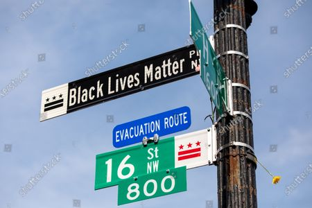 A street sign for Black Lives Matter Plaza