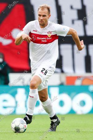 Holger Badstuber of Stuttgart in action during the German Bundesliga second division soccer match between VfB Stuttgart and VfL Osnabrueck in Stuttgart, Germany, 07 June 2020.