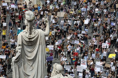 A general view of the Black Lives Matter protest with the protesters behind the statues on June 07, 2020 in Rome, Italy.The death of an African-American man, George Floyd, while in the custody of Minneapolis police has sparked protests and demonstrations of solidarity in many countries around the world.