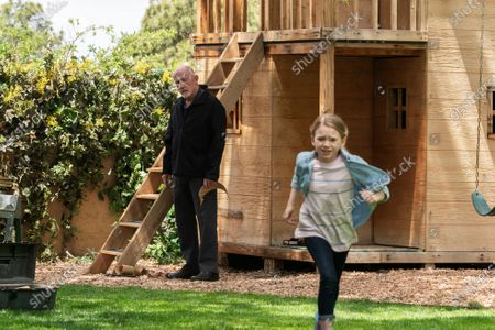 Jonathan Banks as Mike Ehrmantraut and Juliet Donenfeld as Kaylee