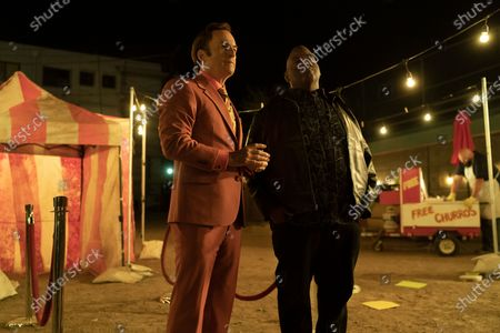 Bob Odenkirk as Jimmy McGill and Lavell Crawford as Huell Babineux
