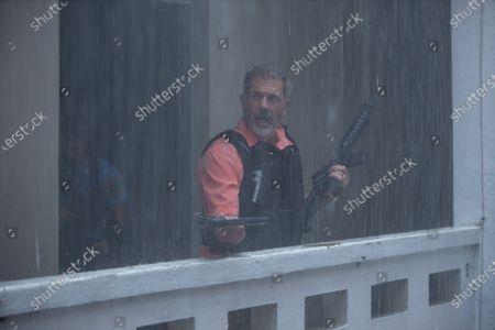 Mel Gibson as Ray