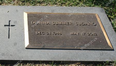 Donna Summer gravesite at Harpeth Hills Memory Gardens