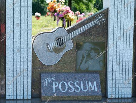 George Jones ' gravesite at Woodlawn Memorial Park and Mausoleum