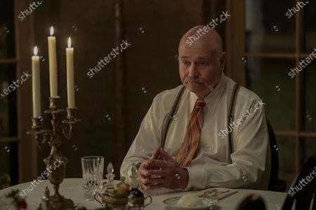 Rob Reiner as Ace Amberg