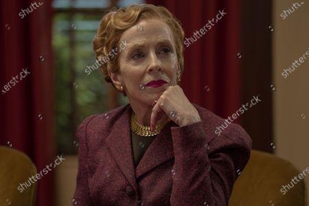 Holland Taylor as Ellen Kincaid