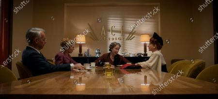 Joe Mantello as Dick Samuels, Holland Taylor as Ellen Kincaid, Harriet Sansom Harris as Eleanor Roosevelt and Patti Lupone as Avis Amberg