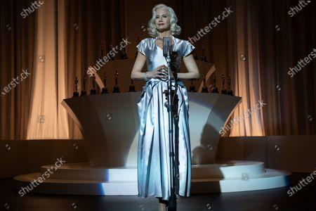 Mira Sorvino as Jeanne Crandall
