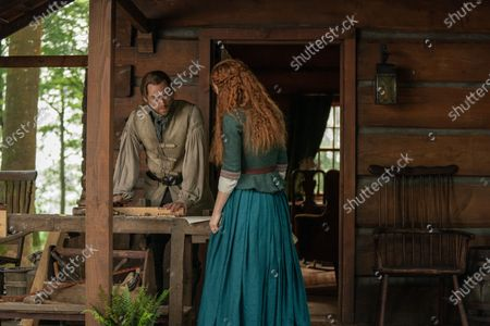 Richard Rankin as Roger Wakefield and Sophie Skelton as Brianna Randall Fraser