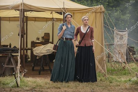 Caitriona Balfe as Claire Randall and Sophie Skelton as Brianna Randall Fraser