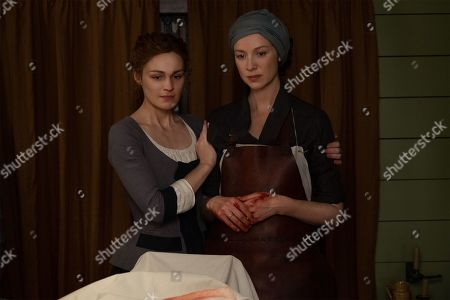 Sophie Skelton as Brianna Randall Fraser and Caitriona Balfe as Claire Randall