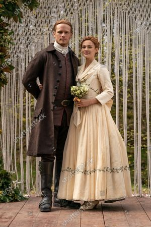 Sam Heughan as Jamie Fraser and Sophie Skelton as Brianna Randall Fraser