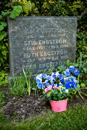 Stig Engstrom's grave at Taby's north cemetery outside Stockholm June 10, 2020., Stig Engstrom, AKA the Skandia man, is now named by Chief Prosecutor Krister Petersson as the person who murdered former Swedish Prime minister Olof Palme in 1986. Stig Engstrom died in 2000 and the investigation will therefore be closed down.,
