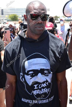 Editorial picture of Terrell Owens and LisaRaye McCoy participate in a Black Lives Matter Protest, Los Angeles, USA - 11 Jun 2020