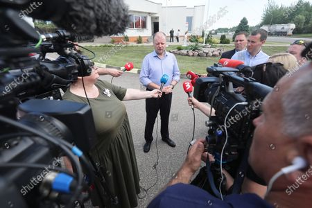 Lithuanian Prime Minister Saulius Skvernelis during a press conference with the participation of Polish Prime Minister Mateusz Morawiecki at the Budzisko-Kalvarija border crossing in Podlaskie Voivodeship, Poland, 12 June 2020. On the night of 12-13 June, Poland will restore full border traffic within the internal borders of the European Union. The EU's external borders will remain closed.