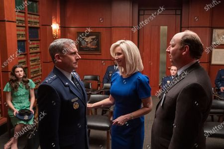 Diana Silvers as Erin Naird, Steve Carell as General Mark R. Naird, Lisa Kudrow as Maggie Naird and Dan Bakkedahl as John Blandsmith