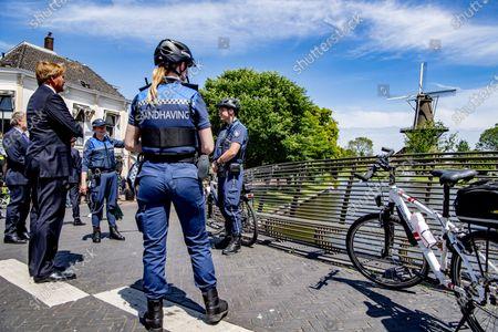 King Willem-Alexander visits BOAs in Leiden boa enforcement during a working visit