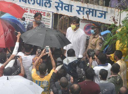 Actor Vivek Oberoi outside Pawan Hans crematorium  for Sushant Singh Rajput funeral at VileParle, on June 15, 2020 in Mumbai, India.