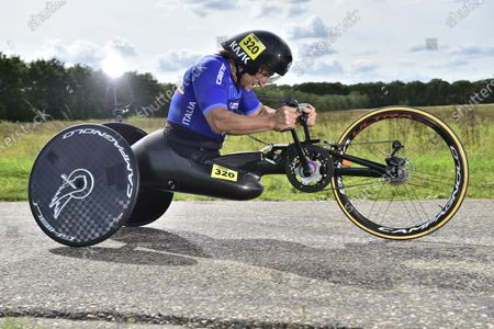 Italy's Alessandro Zanardi on his way to the Rainbow Jersey in the MH5 individual time trial. FILE PICTURE Alex Zinardi who has been seriously injured in a training accident