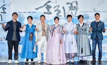 Cho Jung-rae, Lee Bong-geun, Lee Yu-ri, Kim Dong-wan(Shinhwa - Kim Dong-wan), Park Chul-min, Lim Sung-chul