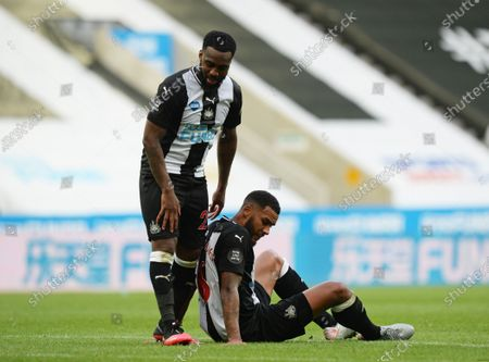 Jamaal Lascelles of Newcastle United and Danny Rose of Newcastle United after the full time whistle