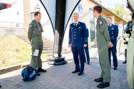 King Philippe of Belgium visits the airbase of Kleine-Brogel. He was briefed on the current state of defense and on the fight against the corona virus in an operational unit. At the same time, he met various experts such as pilots of F16s, the Force Protection.