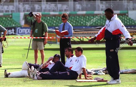 Mike Atherton And The Hollioake Brothers Adam And Ben Watch Devon Malcolm Bowl Englands Nets Session At Trent Bridge