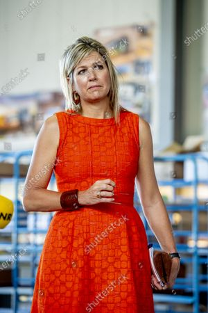 Queen Maxima at Apeldoorn during the hamer visit and technology facility TechnoHUB in Woerden in the context of the importance of well-trained technical personnel for SMEs and the impact of the corona pandemic COVID-19. Queen Maxima is a member of the Dutch Committee for Entrepreneurship