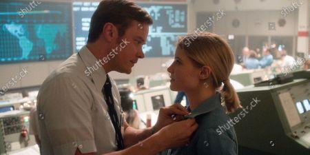 Michael Dorman as Gordo Stevens and Sarah Jones as Tracy Stevens